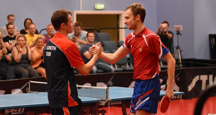 Jonathan Groth og Alexander Shibaev siger tak for kampen (Foto: Mark Zebitz)